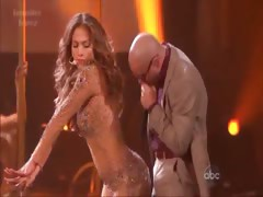 Jennifer Lopez - Bends Over